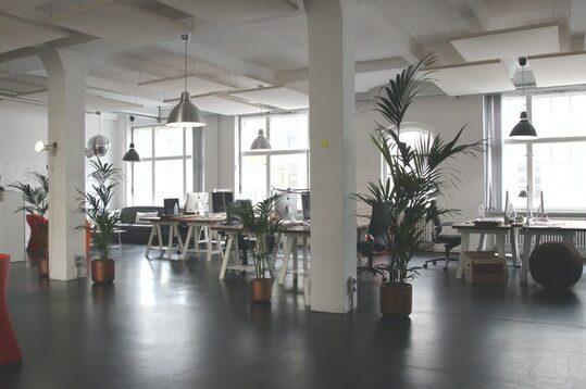 Öppet kontorslandskap utan människor